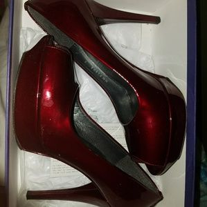 Stuart weitzman euc 9m red high heels patent